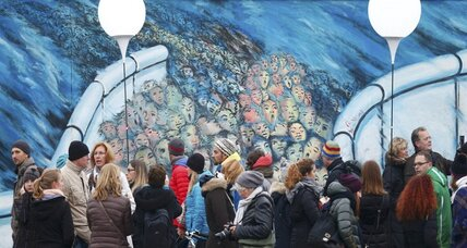25 years since fall of the Berlin Wall, tracing a winding history (+video)