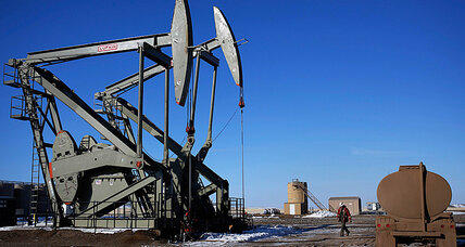 Oil prices keep falling, but US drillers keep drilling