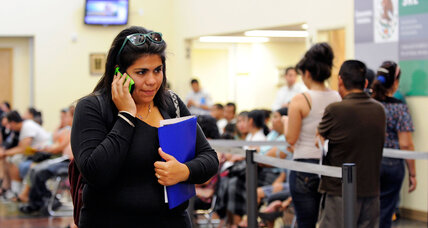 How Mexican consulates are helping Obama's immigration plan (+video)