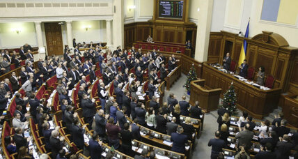 Ukraine pokes Russia, makes move toward NATO. Was it really necessary? (+video)