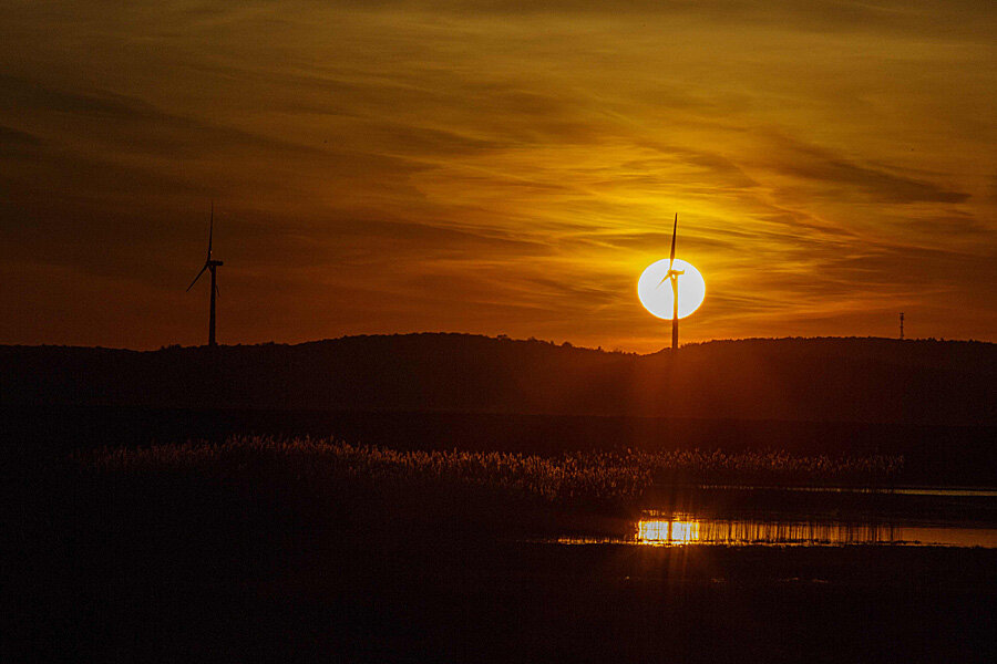 Will low oil prices derail renewable energy growth?