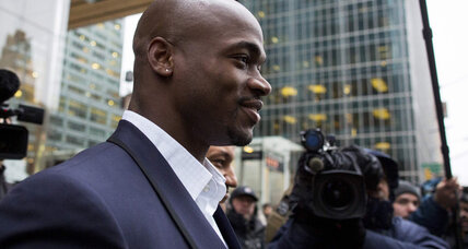 Players union sues NFL over Adrian Peterson suspension