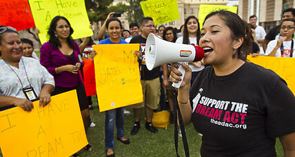 Why 20,000 immigrants will seek driver's licenses in Arizona (+video)