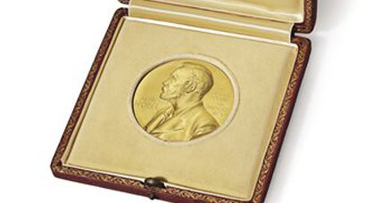 Russian buys James Watson's Nobel for $4.7 million – to give it back to Watson (+video)