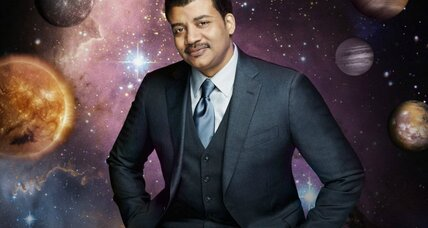 Neil deGrasse Tyson lights up Twitter, Facebook. War on Christmas?