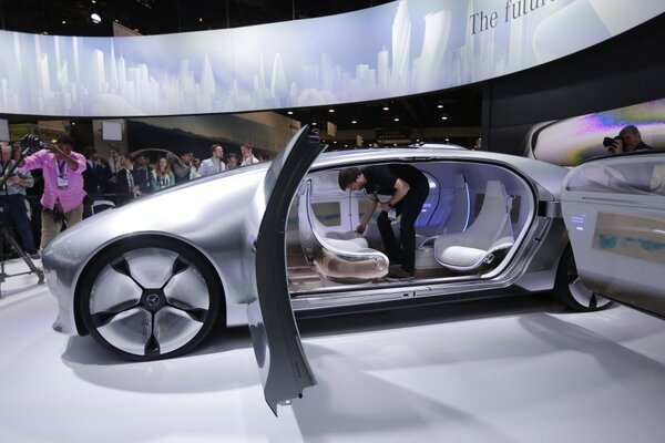 Ces 2015 mercedes ford audi embrace connected self for Embrace by mercedes benz