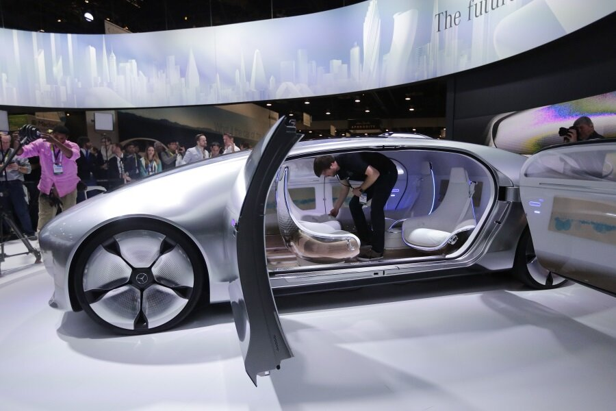 CES Mercedes Ford Audi Embrace Connected Selfdriving Cars - Audi self driving car