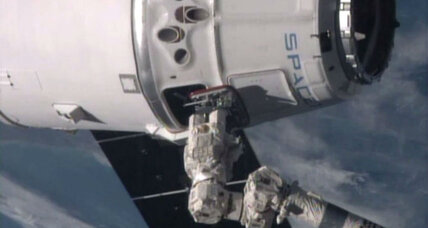 How SpaceX Dragon capsule successfully docked at International Space Station (+video)