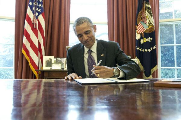 Obama Presidential Speech Obama Signs a Presidential