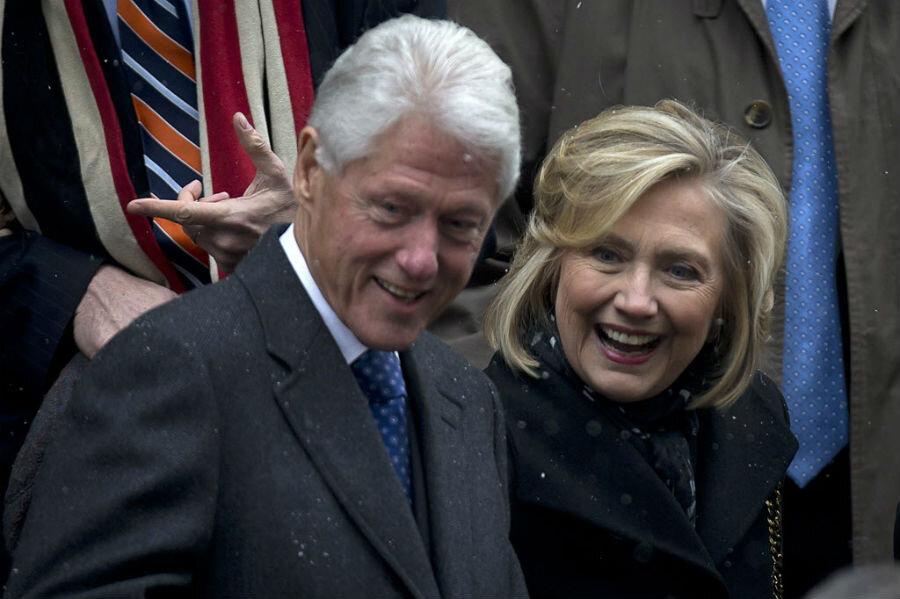personal history boosts hillary clinton hurts jeb bush