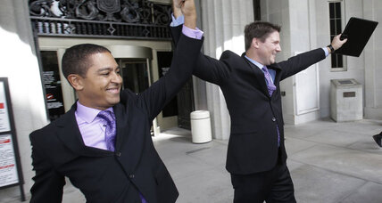 Amid opposition, Miami-Dade County goes forward with same-sex marriage