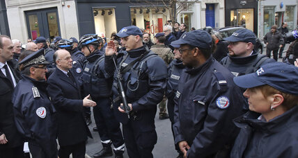 French police say up to six Paris terror suspects could be on the loose (+video)