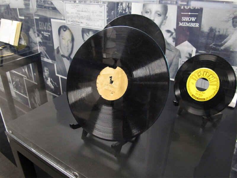 Elvis Presley record 'My Happiness' sells for $300,000 at auction ...