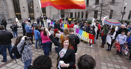 Defiance in Alabama, as same-sex marriage ruling takes effect (+video)