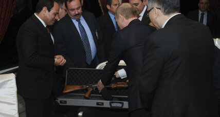 Putin hands Egyptian president a rifle - and an alternative to US?
