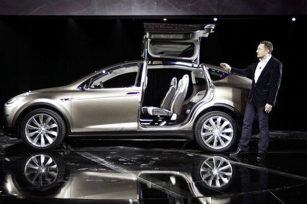 Tesla Model X Suv Delayed Again Three Possible Reasons