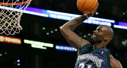 NBA Trade Bombshell: Kevin Garnett returns to Timberwolves (+video)