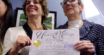 Defying statewide ban, same-sex couple wed in Texas under one-time order