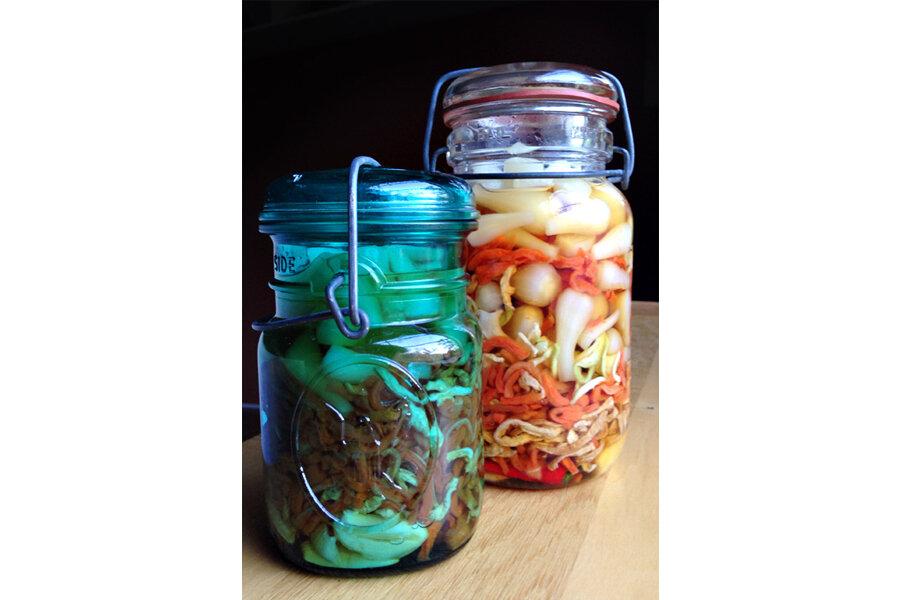 'Dưa món,' Vietnamese brined vegetables