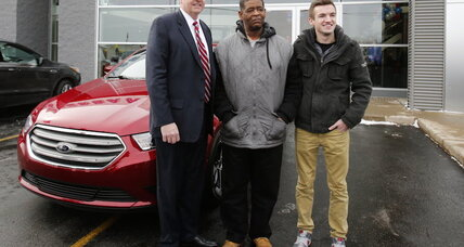 No more walking to work: Detroit man given a Ford Taurus and $330,000 (+video)