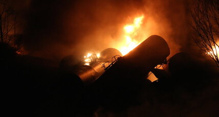 After fiery West Virginia train derailment, is oil by rail safe? (+video)