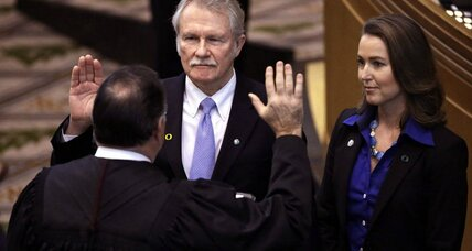 Oregon Gov. John Kitzhaber pressured to resign over 'first lady' scandal