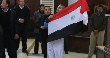 Egyptian court releases Al Jazeera journalists on bail