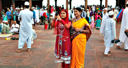 Women in India fight sexual harassment with smartphones