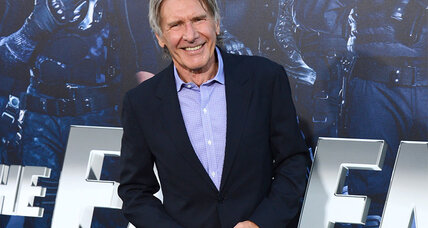 Harrison Ford survives crash-landing on Los Angeles golf course (+video)