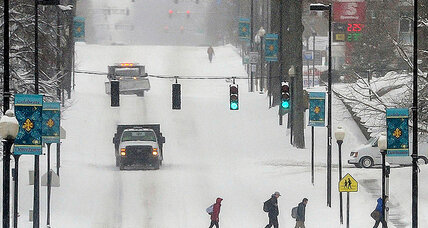 South shivers, but is this week's snowstorm a harbinger of spring? (+video)