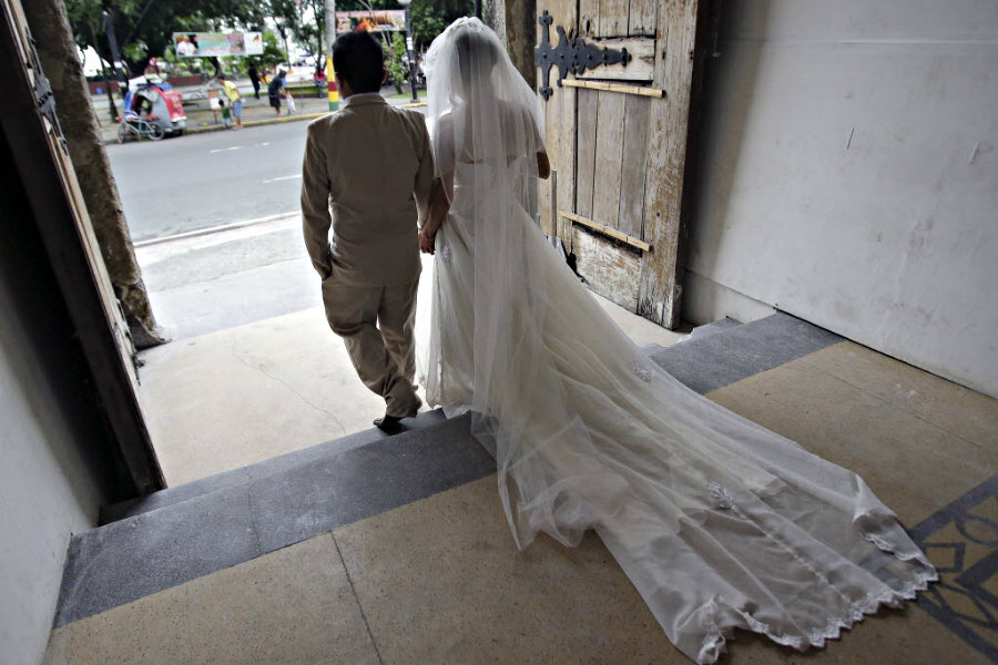 Serving Texas divorce papers on husband in Philippines?