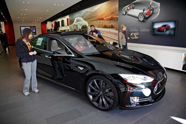 Tesla Promises Solution To Range Anxiety For Model S Electric