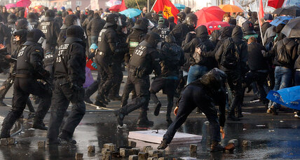 Police, protesters clash at European Central Bank's new headquarters (+video)
