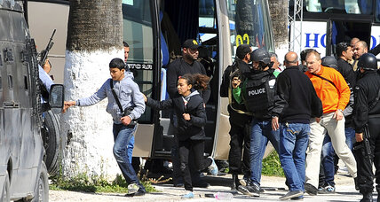 Death toll rises to 22, including foreign tourists and two gunman, in Tunisia attack (+video)