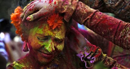 Twitter users share #HappyHoli: The Hindu festival of color