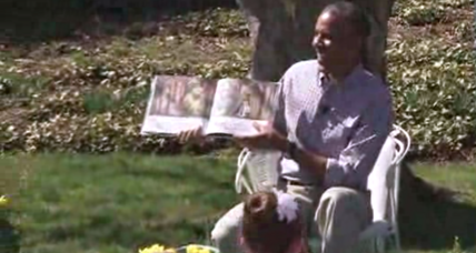 Buzzing bee busts up White House storytime