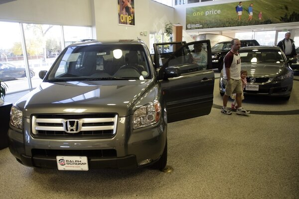 What happens when a Honda dealer sells cars like Tesla? - CSMonitor.com