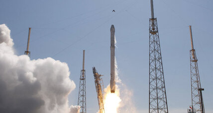 SpaceX Dragon capsule launches, but return of booster goes awry