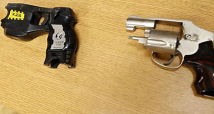 Stun gun or handgun: How often do police get confused? (+video)