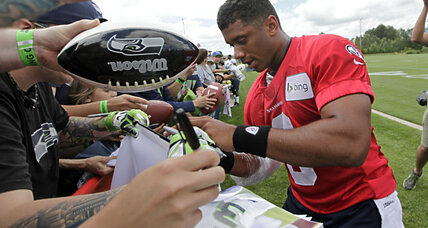Why one serviceman has Russell Wilson to thank for his first-class ride (+video)