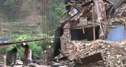 After devastating quake, Nepalis need information, not just food and water