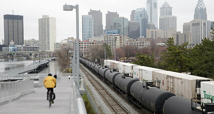 How new oil transport regulations could increase rail safety