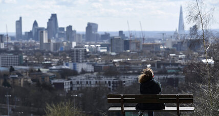 UK economy is rebounding. Why isn't Cameron benefiting? (+video)
