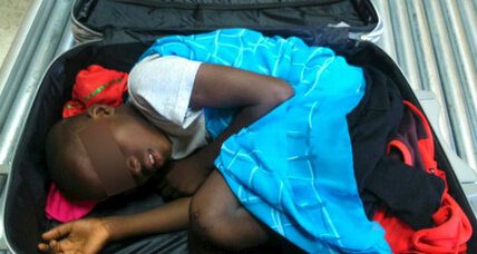 Europe's migrant crisis: Boy in a suitcase smuggled into Spain (+video)