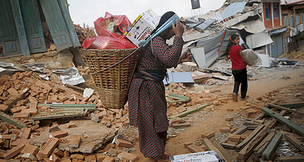 Officials urge Nepal residents to leave quake-damaged homes