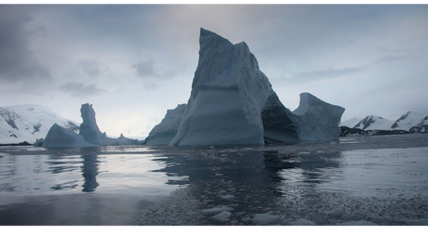 Massive Antarctic ice shelf has just a few years left, say scientists (+video)