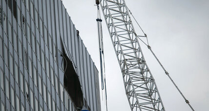 Manhattan crane mishap injures 10