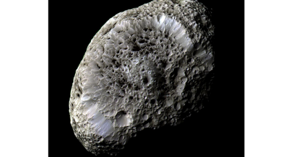 NASA spacecraft to perform final pass of Saturn's bizarre spongy moon (+video)