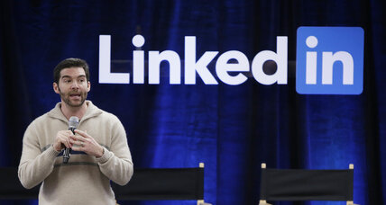 LinkedIn joins Twitter in post-earnings stock plunge