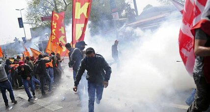 Turkish police use tear gas, water cannon on May Day protesters